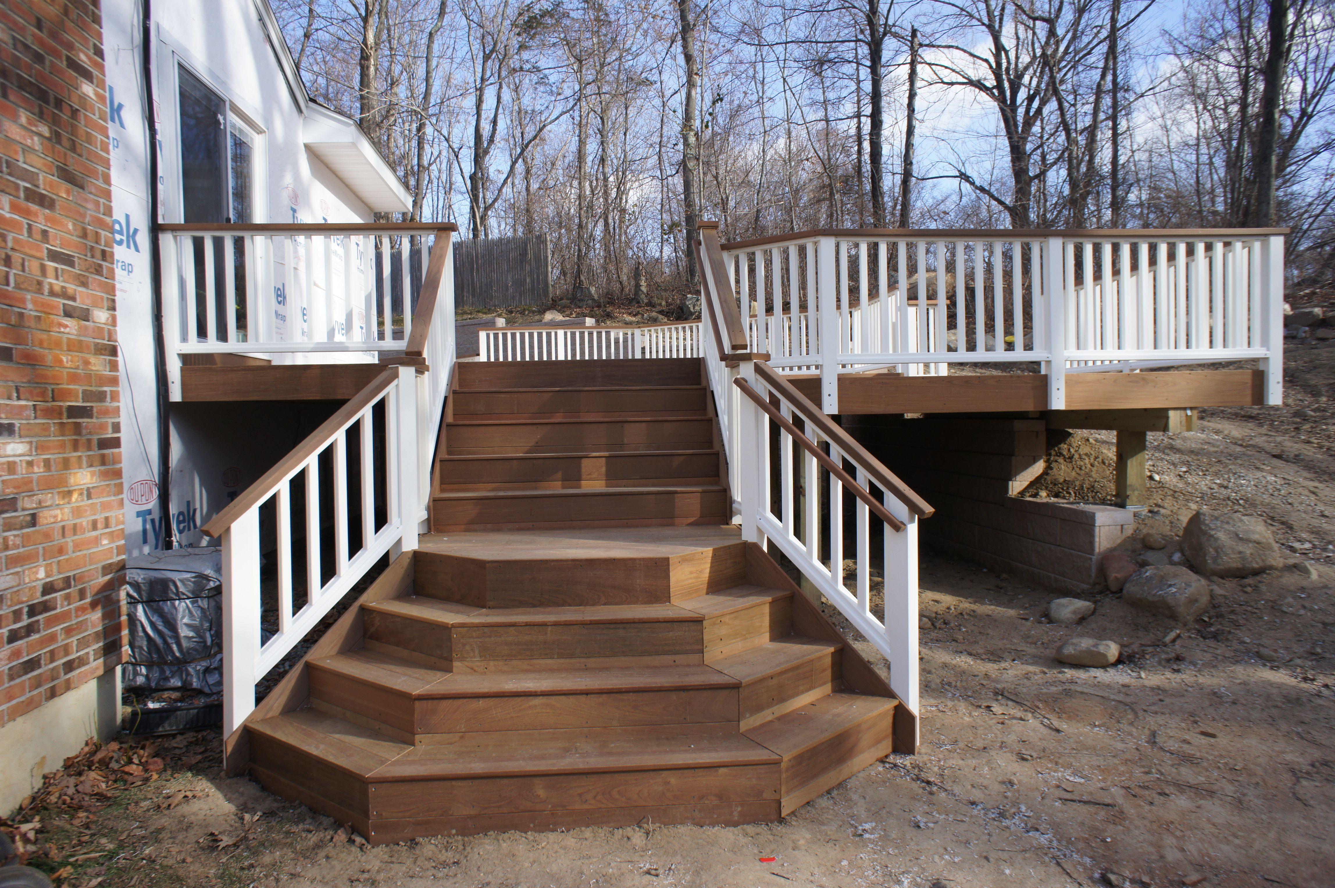Custom Fan Stairs Ipe Deck Vinyl Rails ,multi Level.JPG (4592×3056