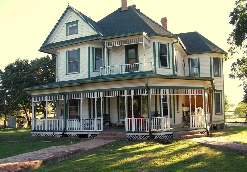 1901 Victorian Historic Hubbard Home In Hubbard Texas Victorian Homes Historic Homes For Sale Vintage House