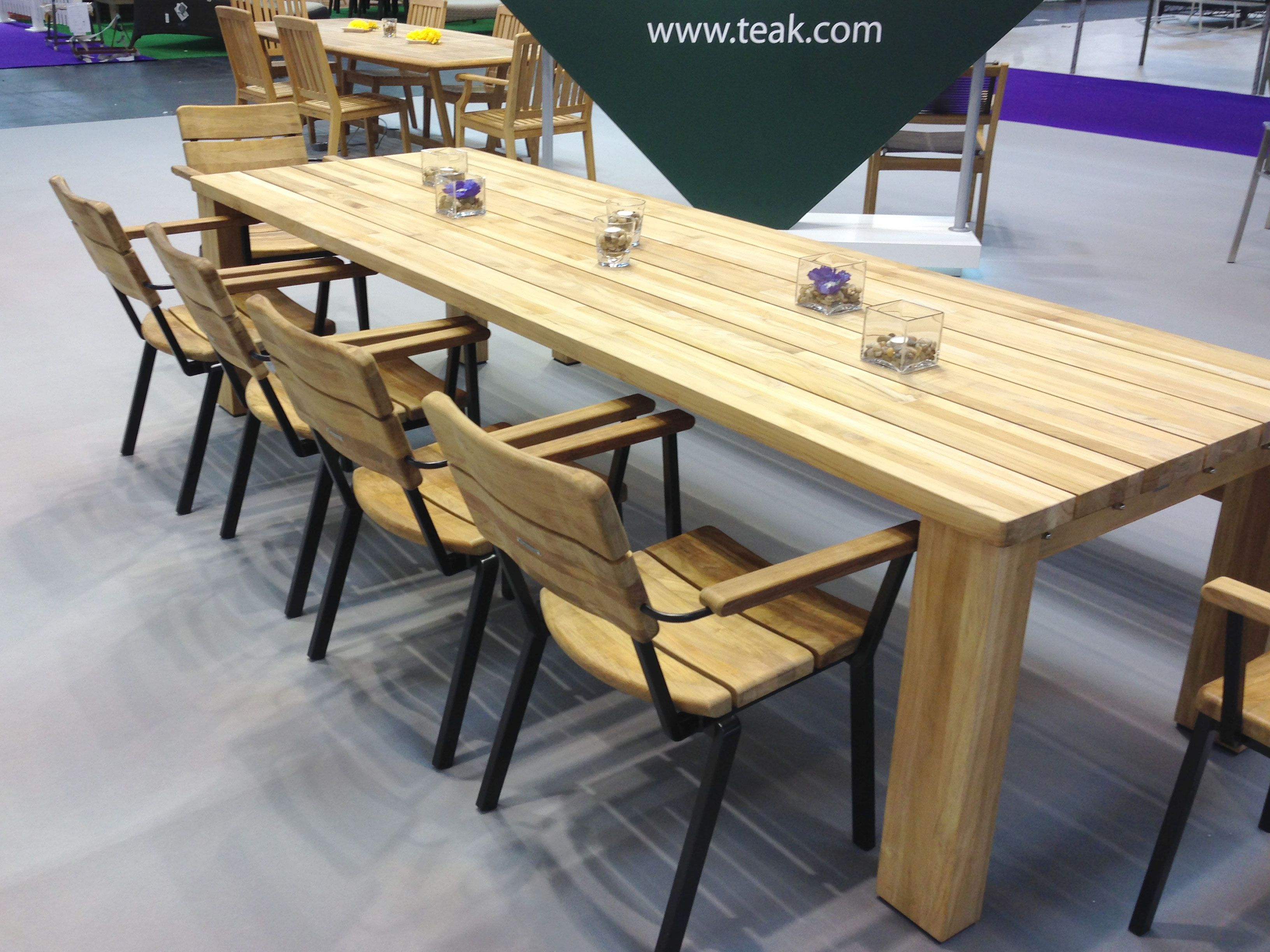 BARLOW TYRIE   Titan Chairs With Our Solid Teak Table