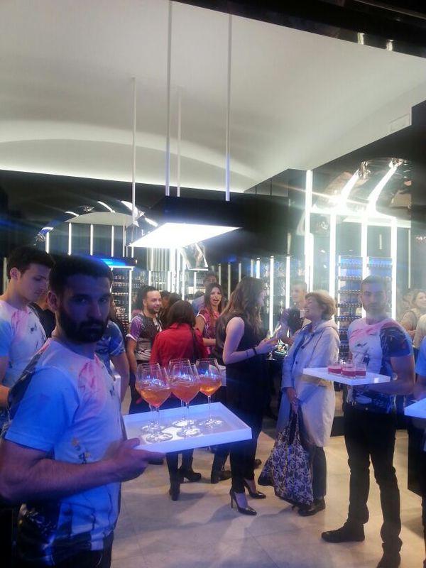 Inaugurazione a Napoli del nuovo store Mac con le Icona Pop