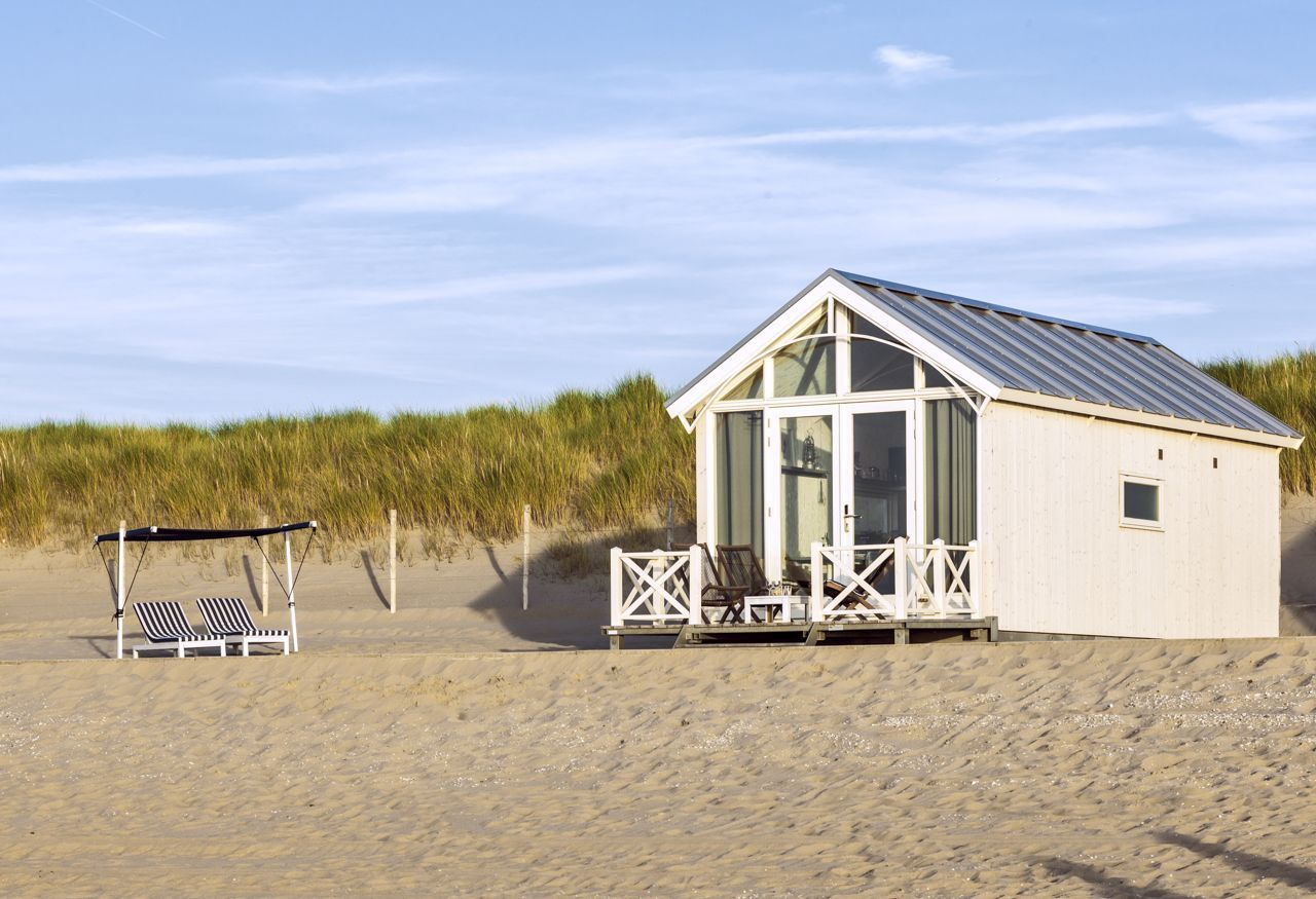 aufwachen am strand von den haag in holland jetzt k nnen sie ein strandhaus mieten beauty. Black Bedroom Furniture Sets. Home Design Ideas