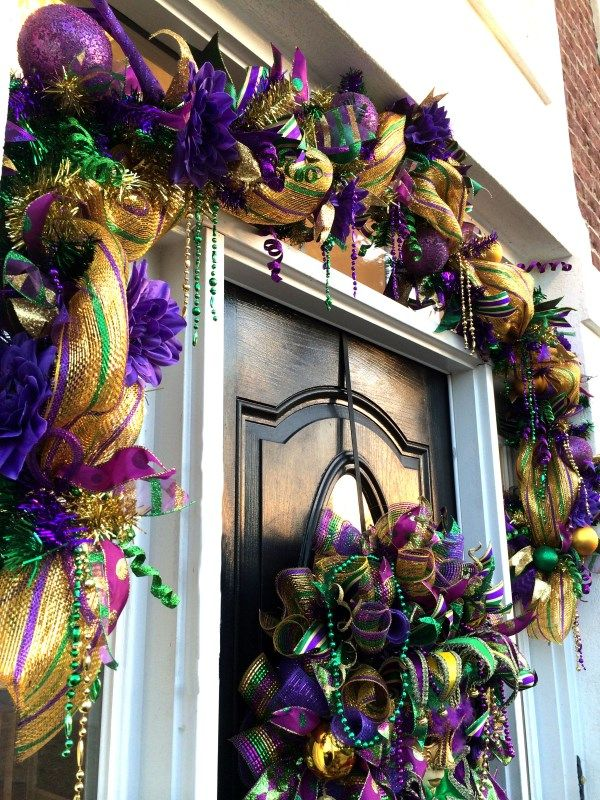 How To Make A Deco Mesh Mardi Gras Garland Mardi Gras Wreath Mardi Gras Decorations Mardi Gras
