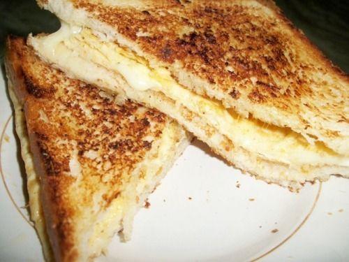 Cheesy Egg sandwich