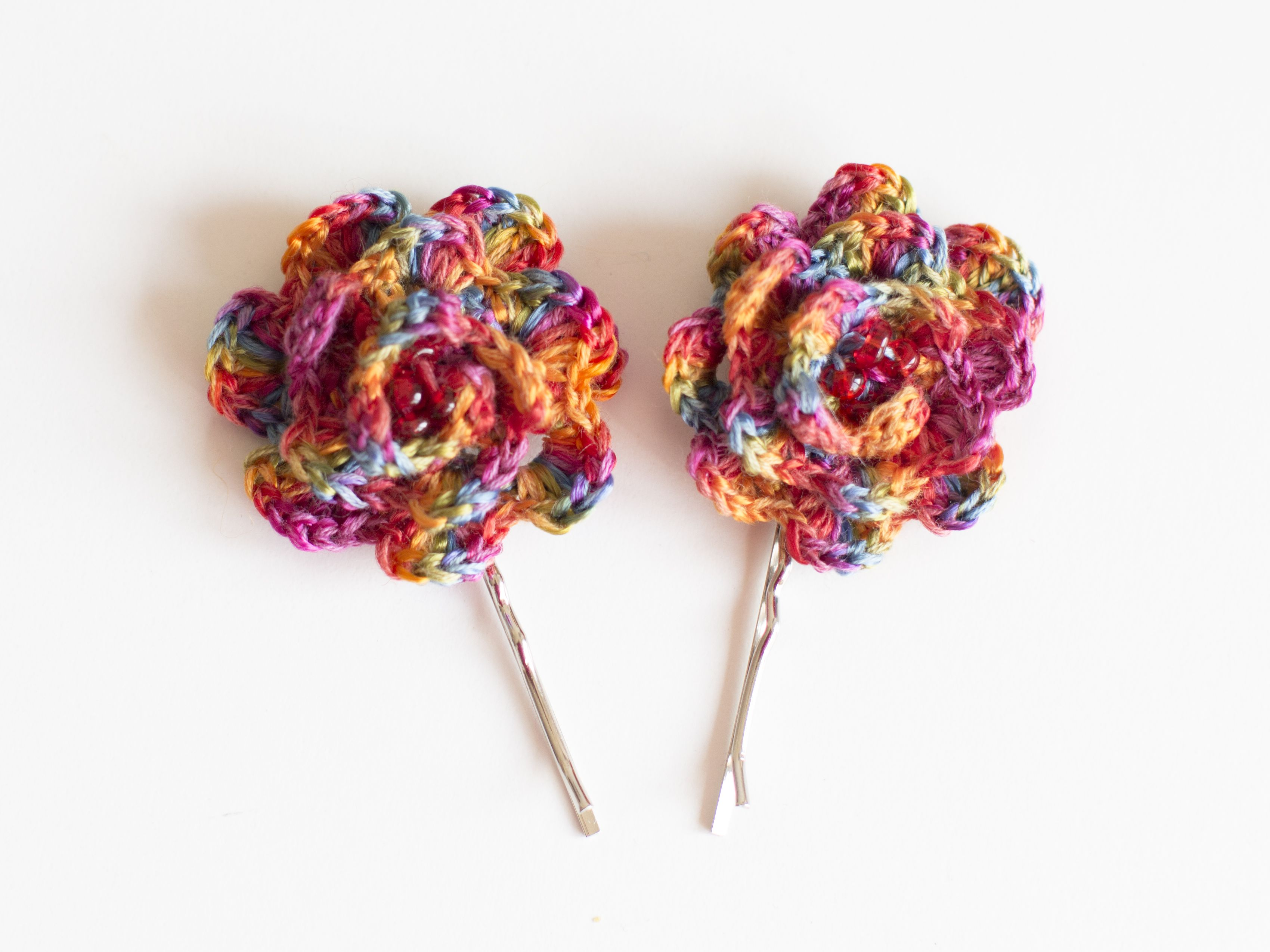 Wonderful colorful hairpins for only  € 4. All funds are going to cat shelter