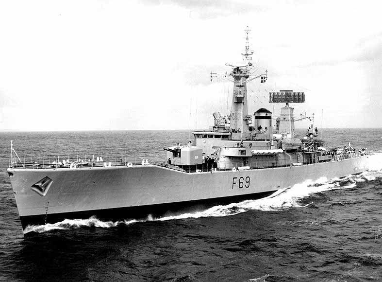 Hms Bacchante F69 Wikipedia The Free Encyclopedia Royal Navy Ships Royal Navy Royal Australian Navy