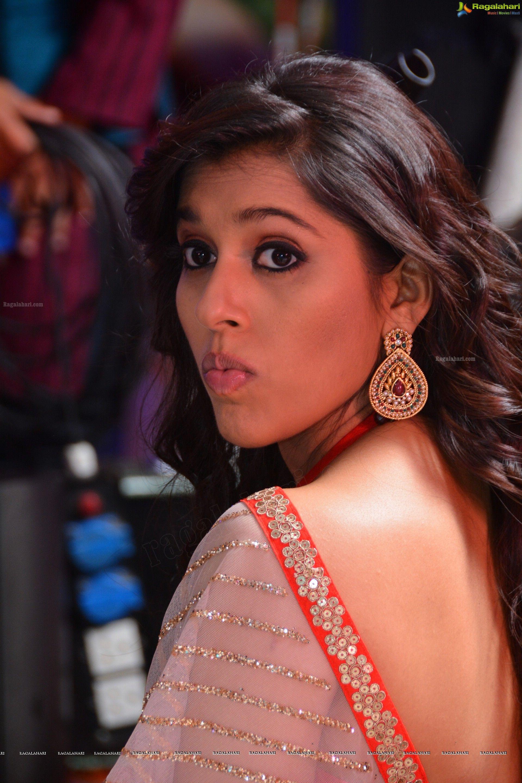 rashmi-gautam-in-backless-saree | [ţόĻĻч+ вόĻĻч] | pinterest | saree