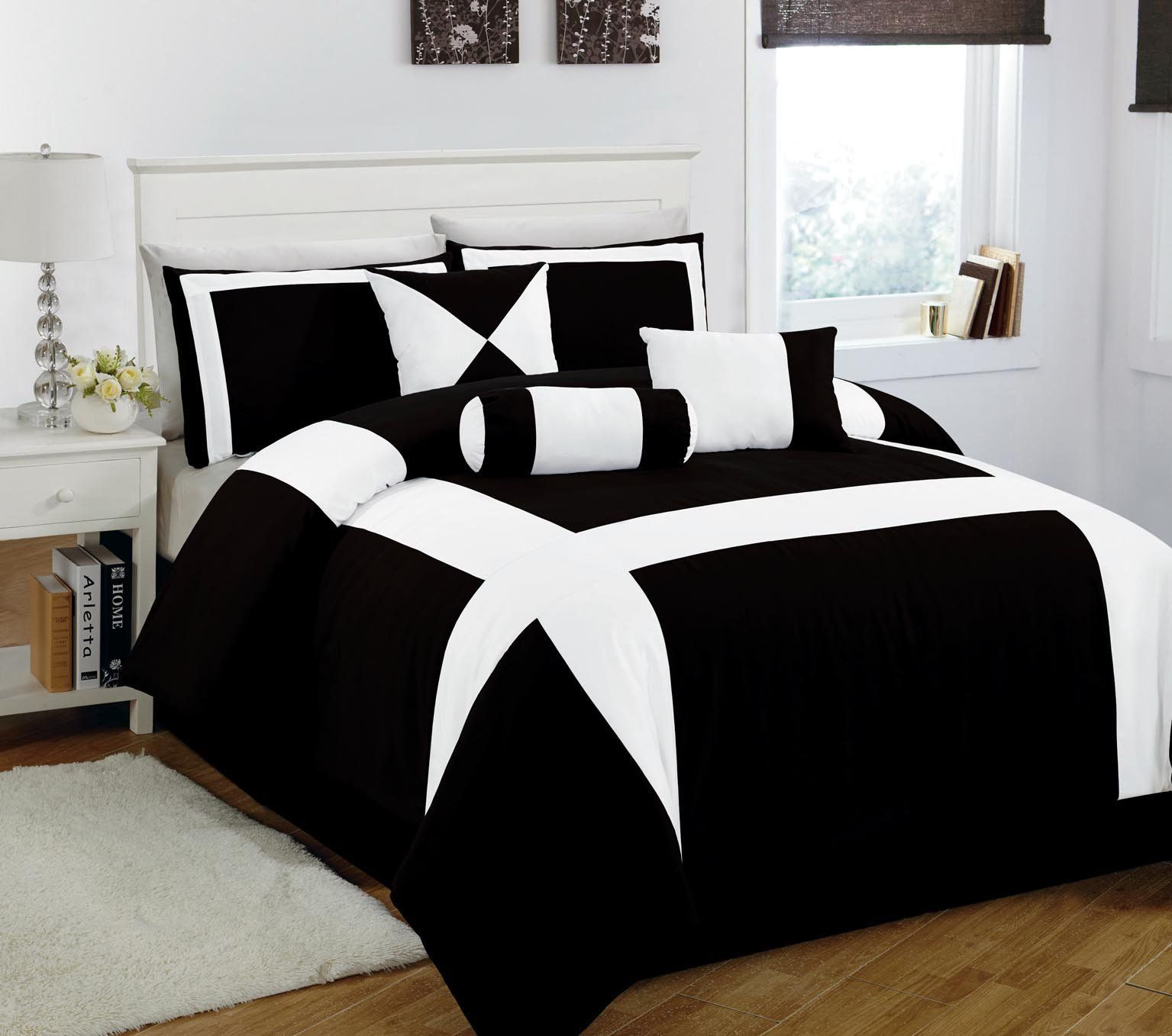 11 piece king jefferson black and white bed in a bag w for Queen size bedroom sets with mattress