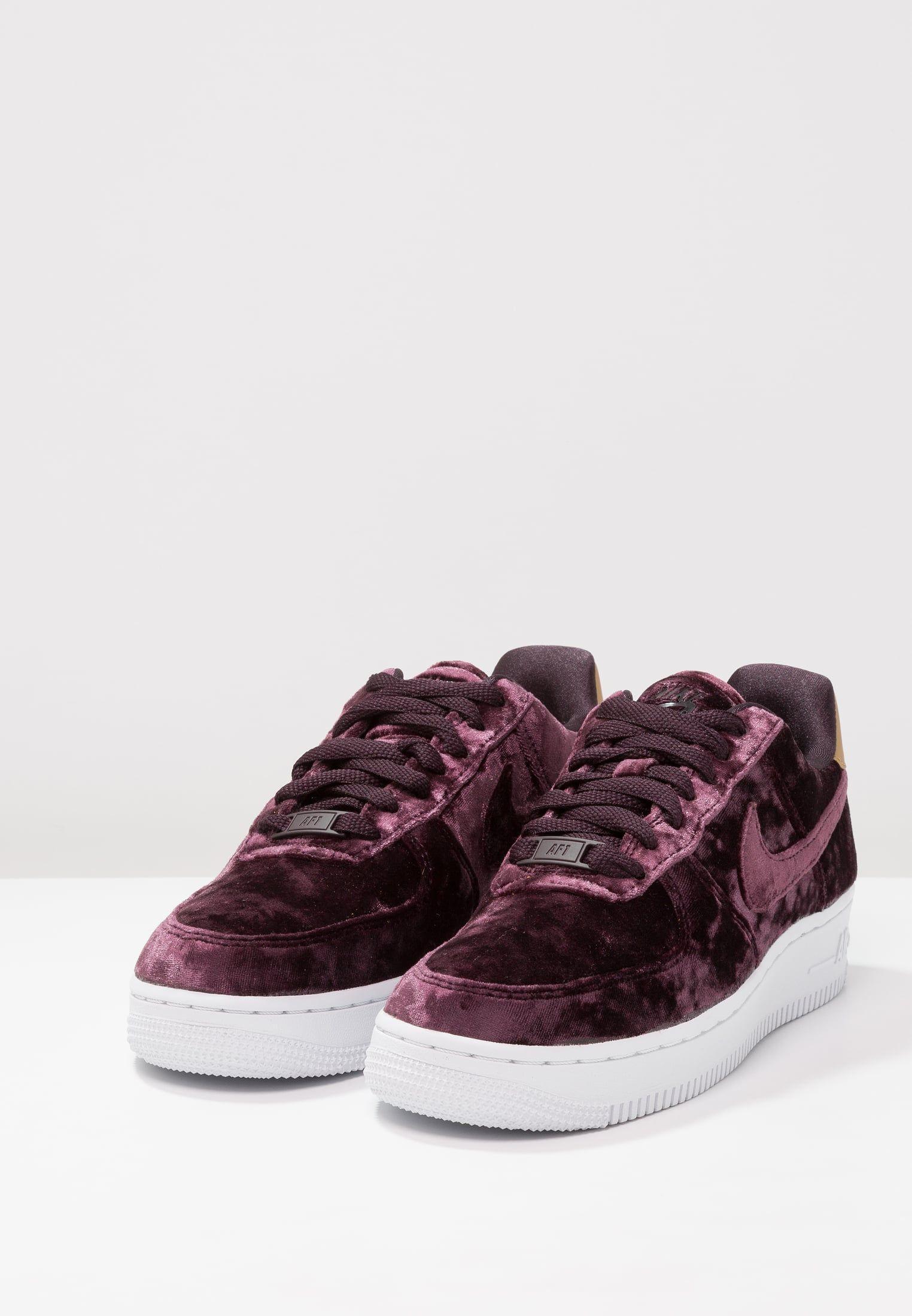 cc7dbd36c5f4 Chaussures Nike Sportswear AIR FORCE 1 07 PRM - Baskets basses - port wine