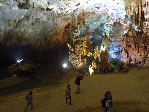 ベトナム フォンニャ洞窟