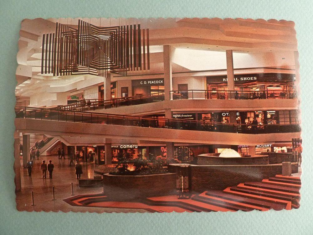 Woodfield Mall Shopping Center Court SCHAUMBURG ILLINOIS