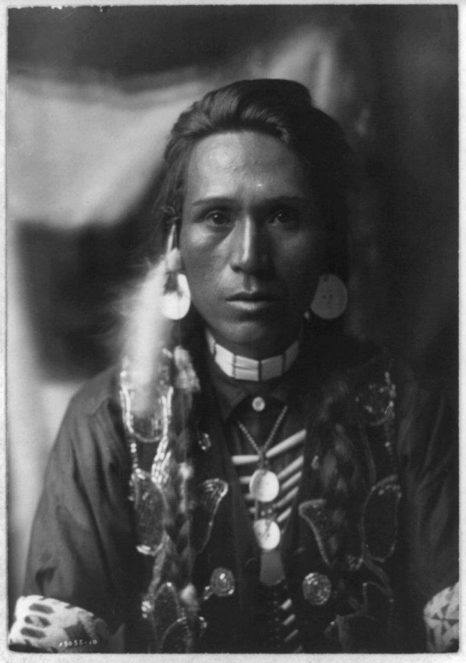 Unknown Yakama man,1910  Submitted by Spenardo at My Daguerrotype Boyfriend.    Those cheekbones...swoon!