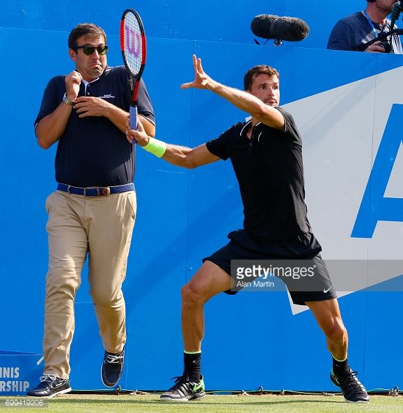 June 21st 2017 Queens Club West Kensington London Aegon Tennis Championships Day 3 The Line Judge Cowers As Number Six Seed Grigor Tennis Championships Tennis Number Six