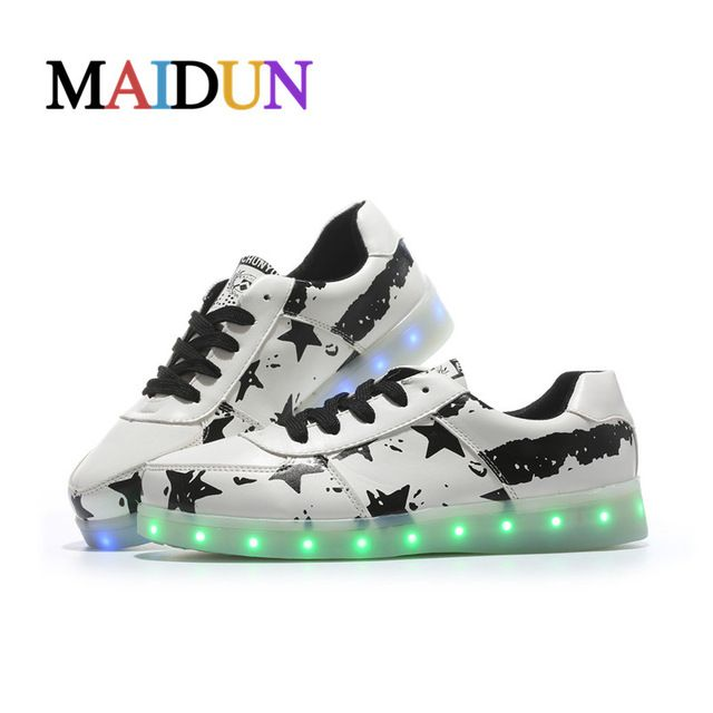 2017NEW Light man sapato masculine shoes White glowing LED woman zapatillas deportivas mujer light up colorful neon shoes basket
