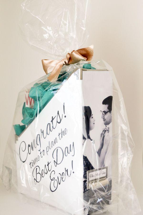 engagement gift kit verliebt verlobt pinterest. Black Bedroom Furniture Sets. Home Design Ideas