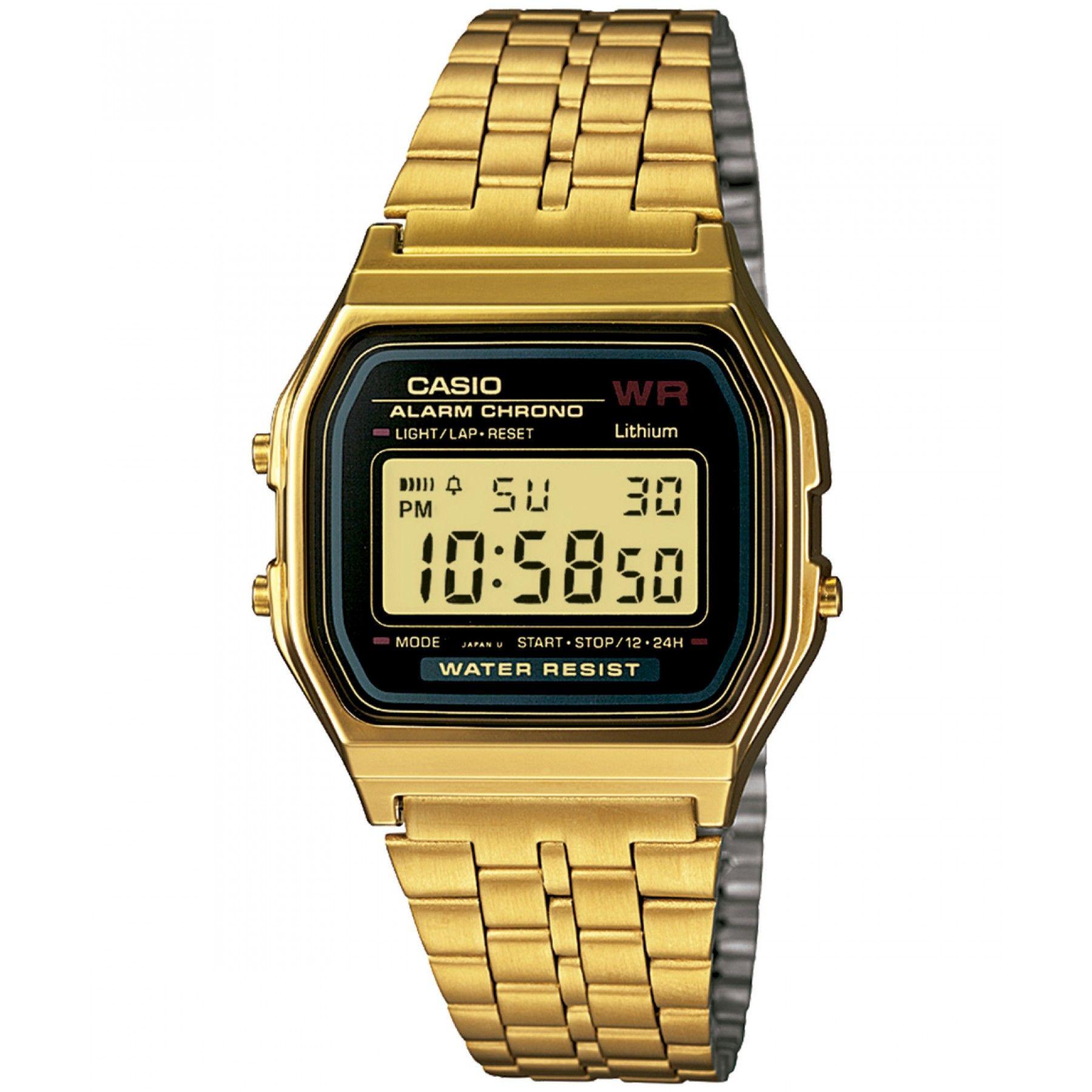 5ea1bacbcae9 Reloj Casio con caja y bisel de acero inoxidable con acabado dorado  extensible de brazalete carátula negra con display y funciones de Alarma  Diaria y ...
