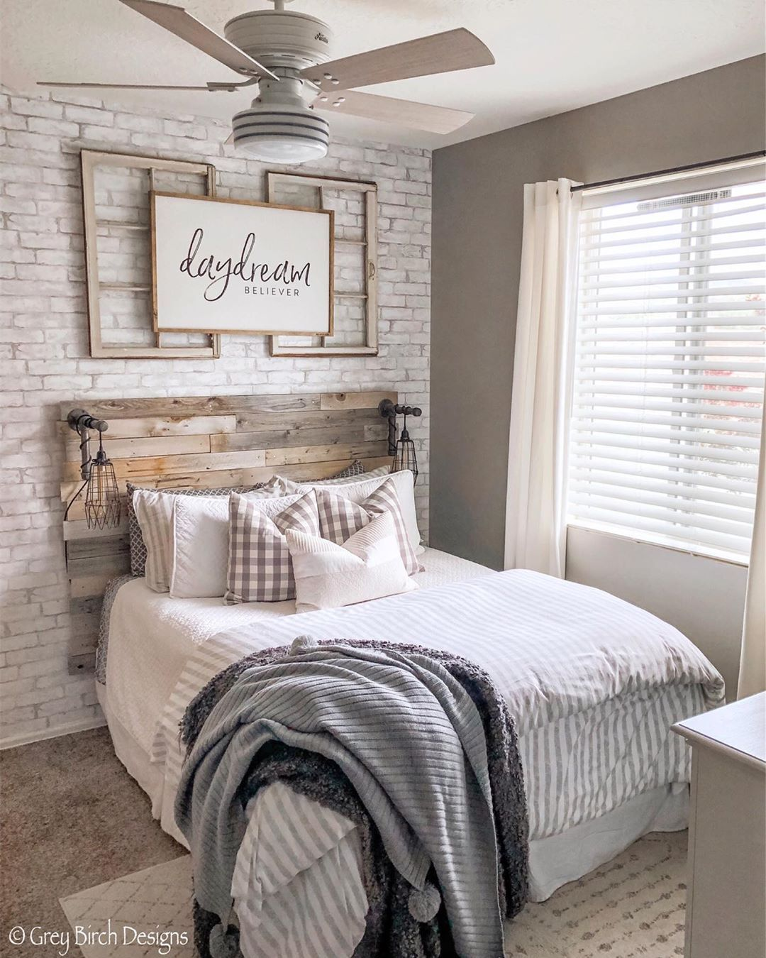 I'm so excited to finally get rid of that ugly builder grade light we had in here and replace it with this beautiful @hunterfanco fan. It… #modernfarmhousebedroom