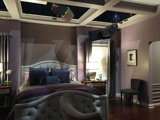 On The Set Of Black Ish Master Bedroom Makeover Bedroom Makeover Bedroom Design