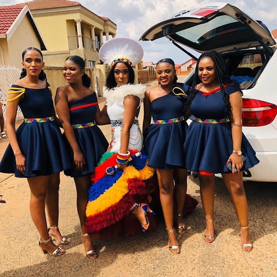 How To Wear African Bridesmaid Dresses In 2021 African Bridesmaid Dresses Zulu Traditional Wedding Dresses Traditional African Clothing [ 960 x 960 Pixel ]