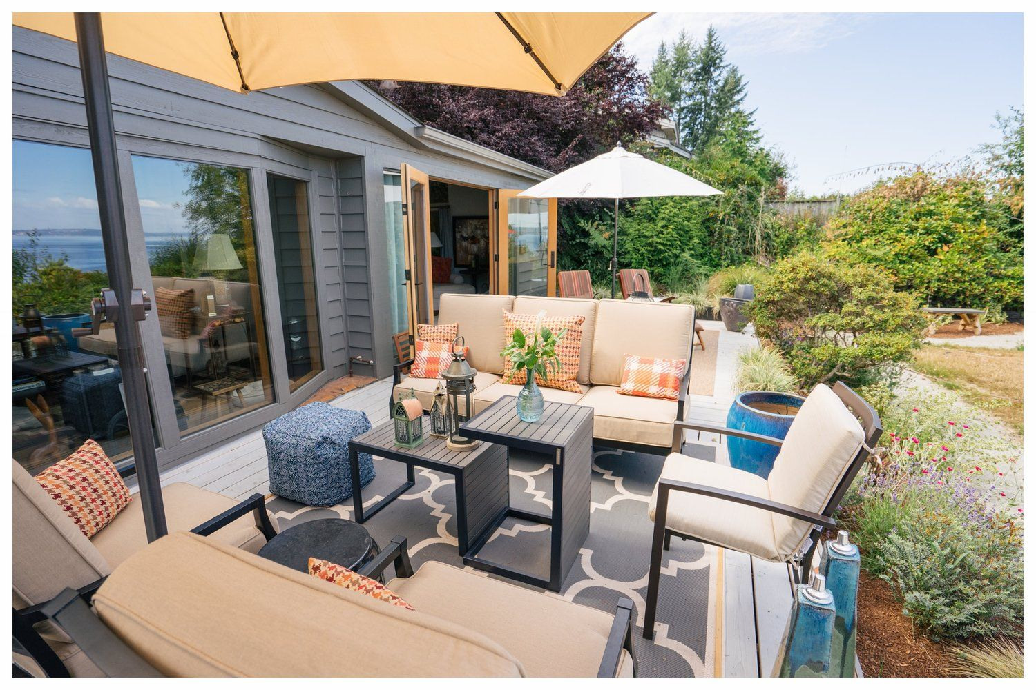 An outdoor living room is essential in the Pacific ... on Outdoor Living Spaces Nw id=94006
