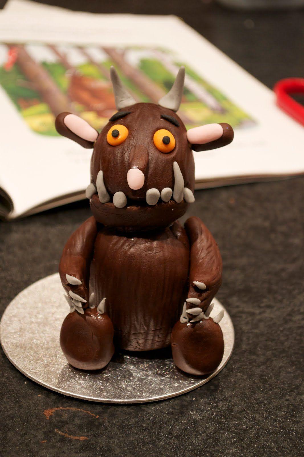 Gruffalo cake topper tutorial. Casa Costello: Tutorial - How to make an edible Gruffalo
