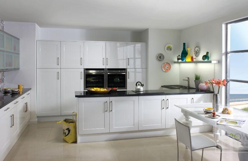 creative-white-gloss-kitchen-white-gloss-kitchen-in-a-timeless-shaker-style.jpg (824×536)