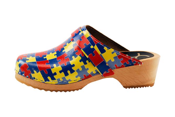 Nursing shoes, Clogs