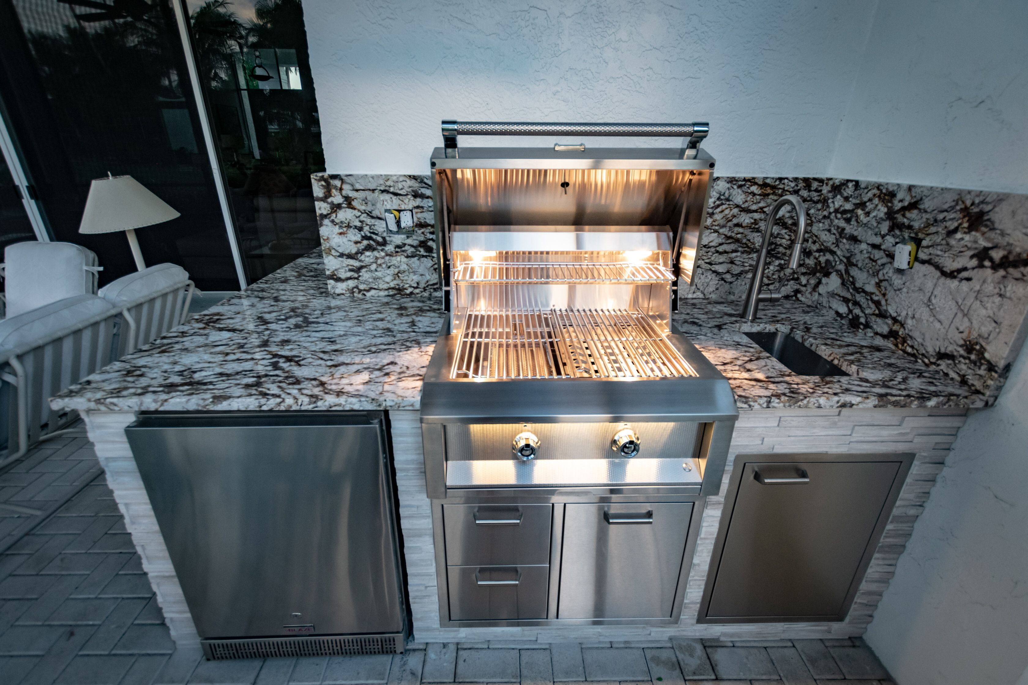 We Can Make A Tight Space Work Let Us Design Your Outdoor Kitchen Fischmanoutdoorkitchens Palmbeachgrillcleaner Outdoorentertainme Outdoor Kitchen