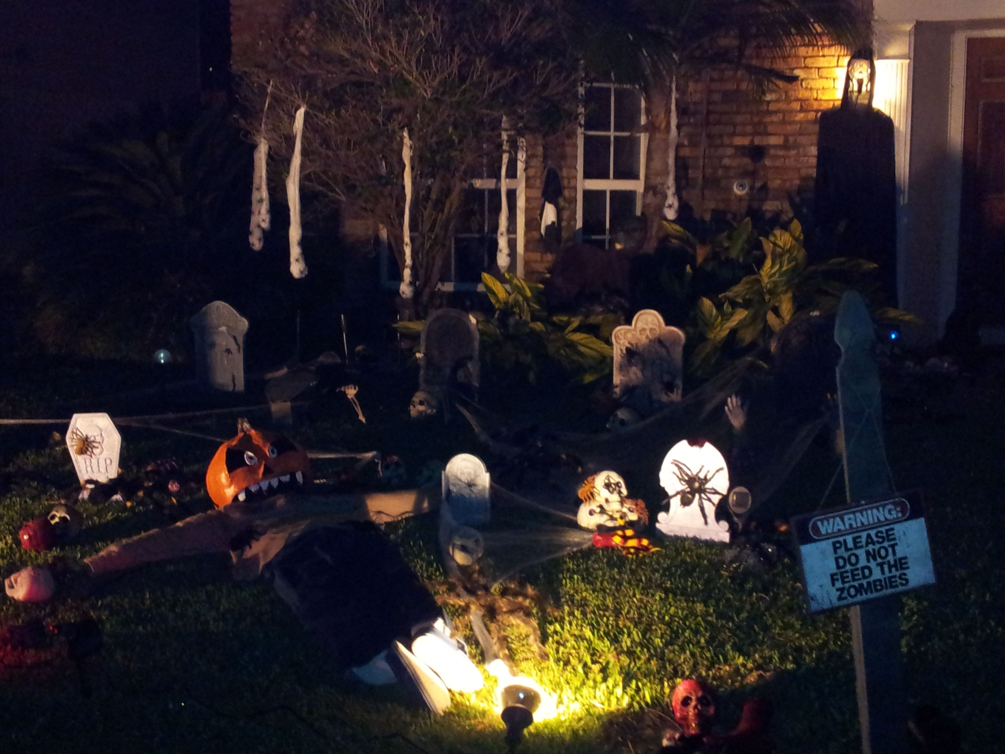 Halloween 2015, yard decorations, after dark Halloween Pinterest - Halloween Yard Decorations