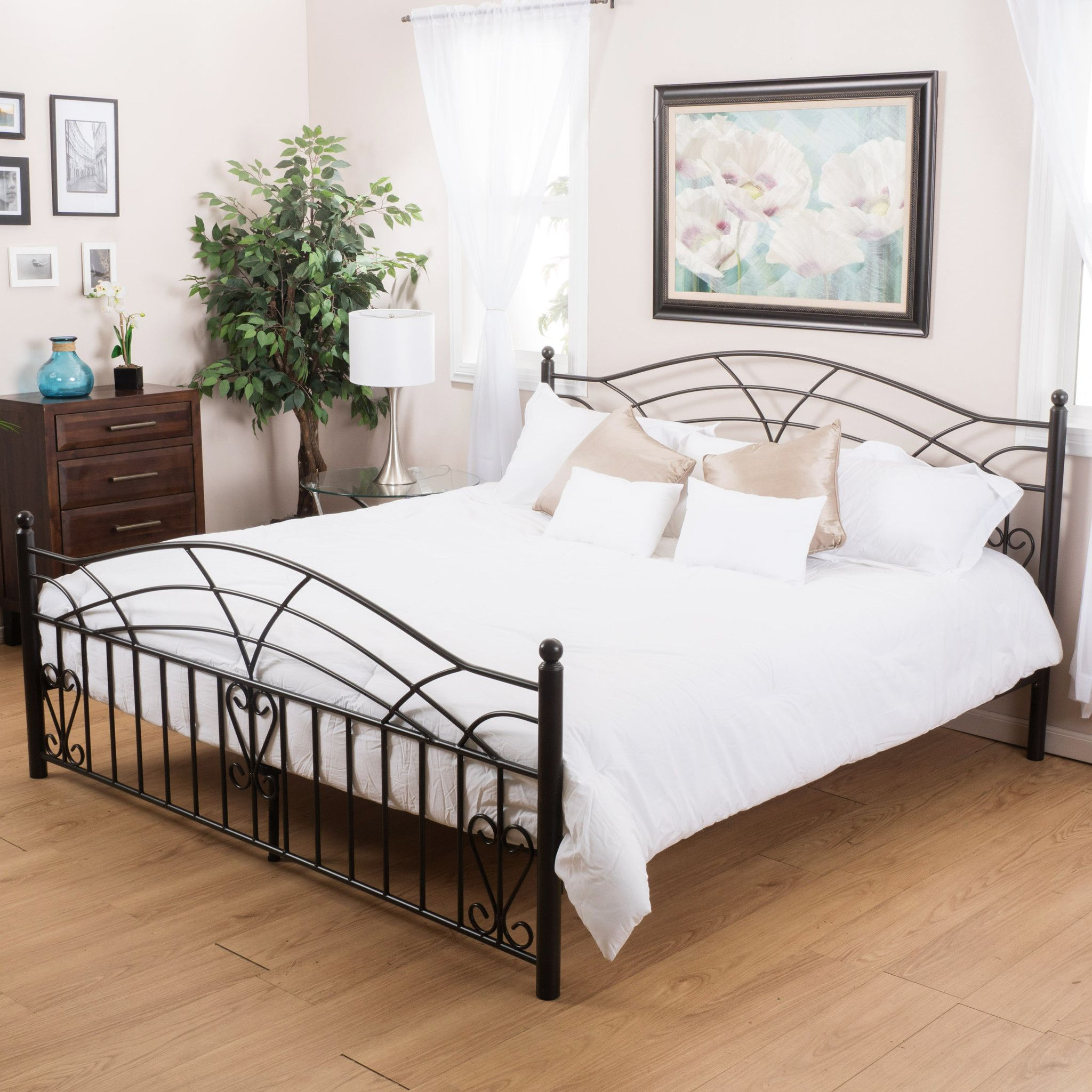 Edsel Queen Size Black Finish Iron Bed Frame | Herrería, Camas y ...