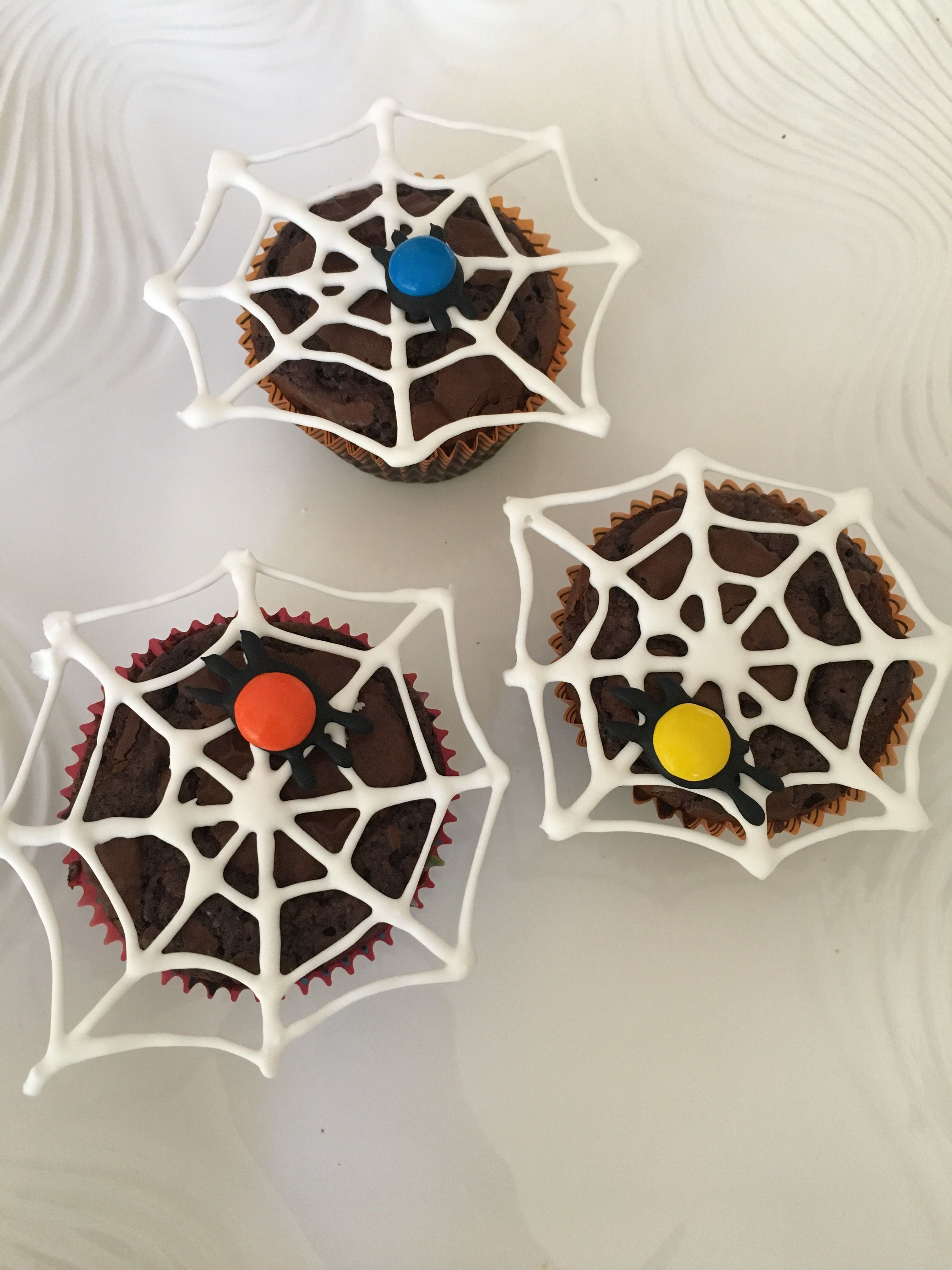 Brownie spider web | Christmas ornaments, Holiday decor ...
