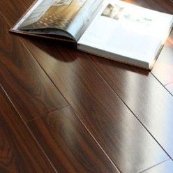 How To Select And Purchase The Right Laminate Flooring For Your Home