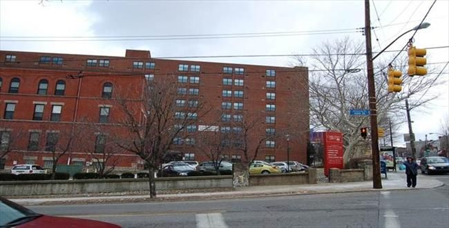 York Commons Affordable Apartments In Pittsburgh Pa Presbyterian Seniorcare Found At Affordablesearch Com Affordable Apartments Apartment Affordable Housing