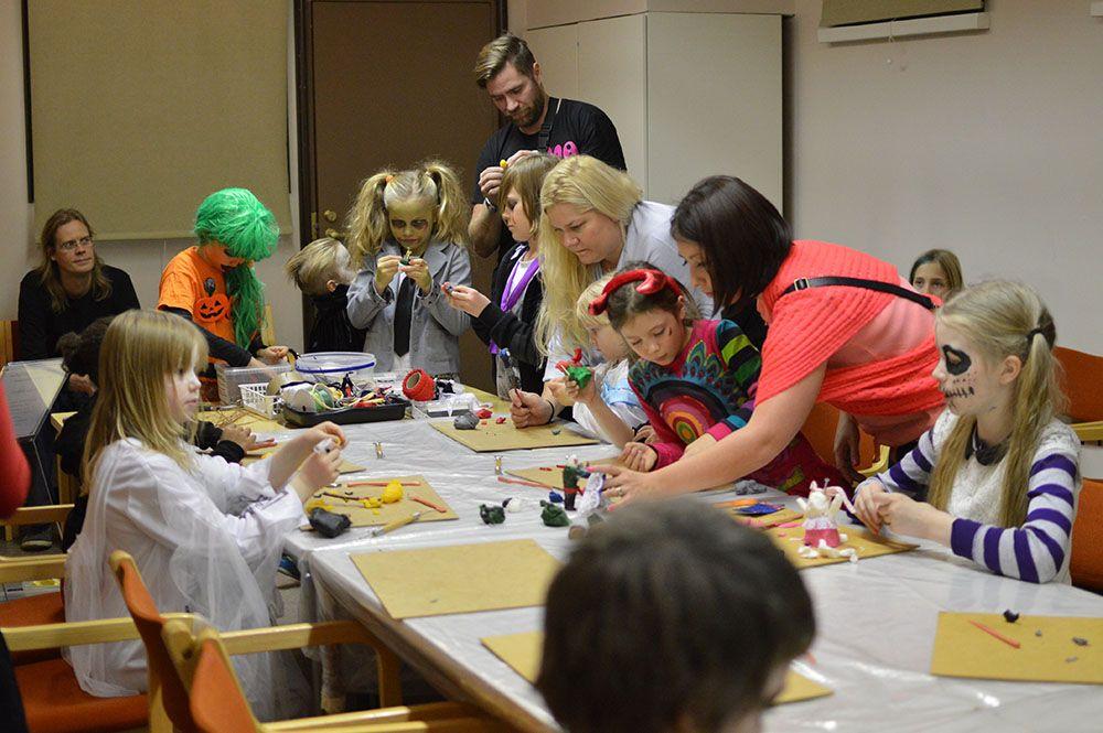 Halloween-henkiseen Ällöween-iltaan ovat tervetulleita 6–13 -vuotiaat. Toki myös lasten vanhemmat. Luuppi, Oulu (Finland)