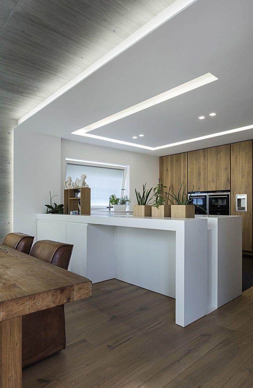 Illuminare la cucina con strisce led e faretti cucine moderne con ...