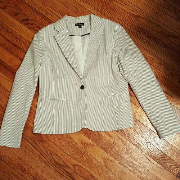 Perfect Summer Jacket / Blazer -  Navy & White Never worn Willi Smith Blazer!!! White with navy stripes!  Slightly fitted with one button closure in front, one slit in back for comfy fit. Lighty lined. Perfect for work or play. Comes from smoke and pet free home. Let me know if you have any questions. Definitely a staple for any summer wardrobe! Willi Smith Jackets & Coats Blazers