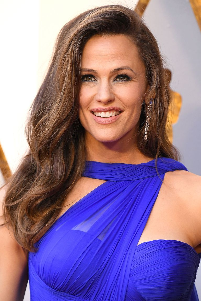 50 Must Try Long Layered Hairstyle Ideas For Your Next Blowout Jennifer Garner Hair Oscar Hairstyles Jennifer Garner