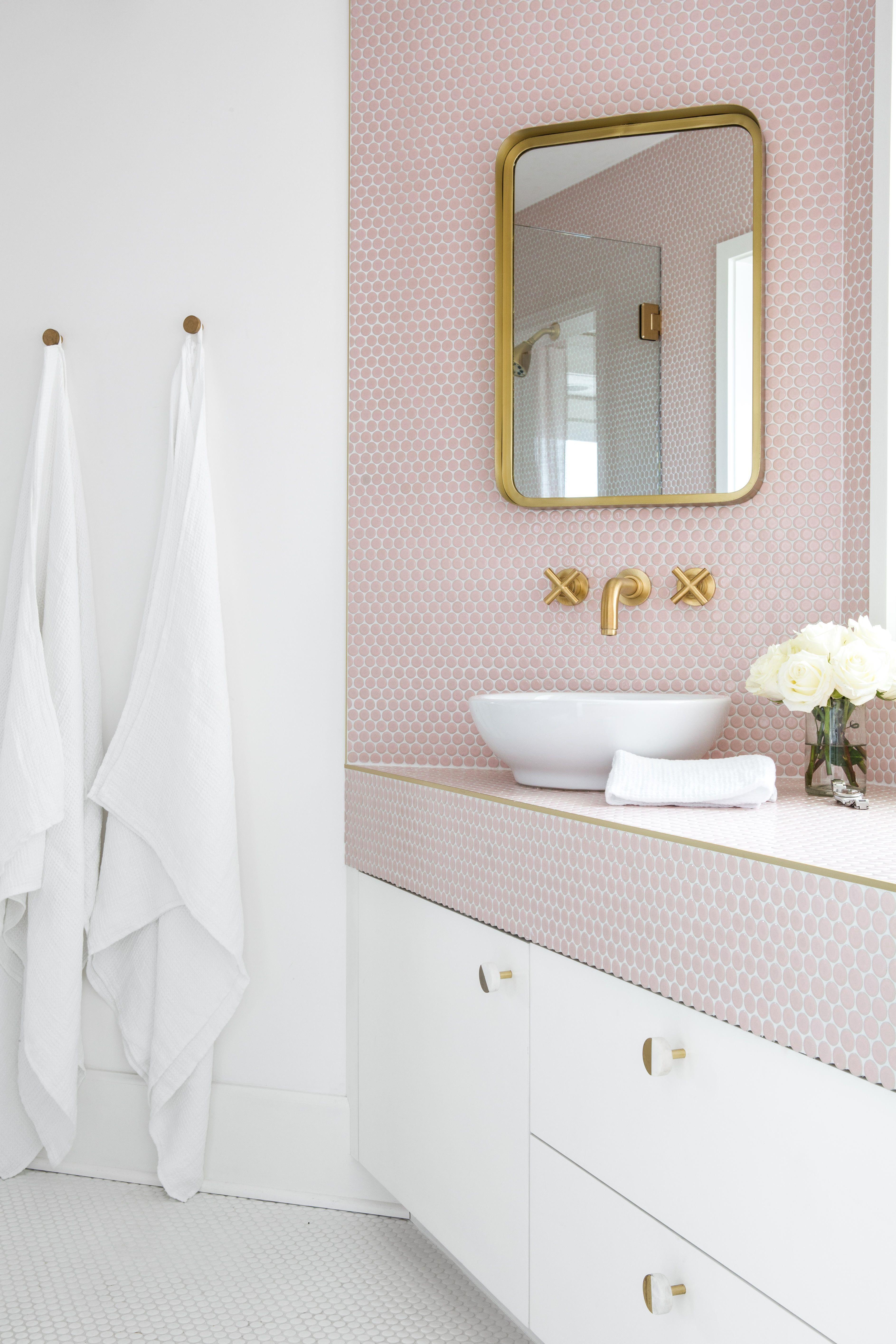 31 Bathroom Tile Ideas Make It Fresh And Not Boring Penny Tiles Bathroom Trending Decor Bathroom Interior