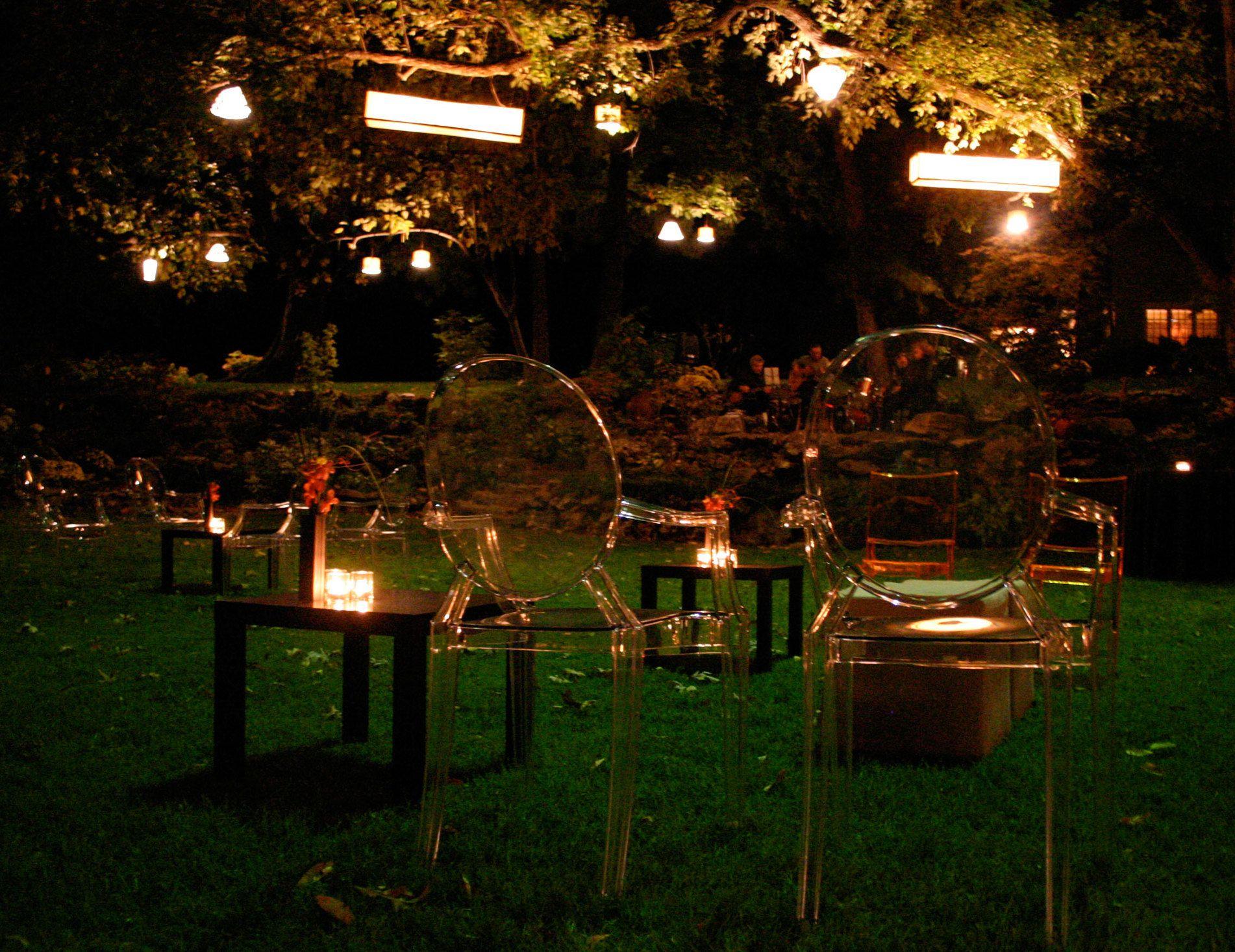Coole Gartenparty Ideen Gartentisch Kaffeetisch Hochzeit Beleuchtung