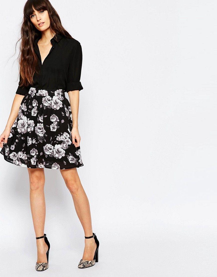 Super cool Minimum High Waisted Floral Skirt - 999 black Minimum Nederdele til Damer i luksus kvalitet