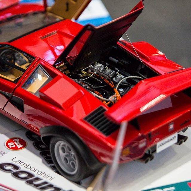 Our 1 8 Scale Model Replica Lamborghini Countach Lp 500s Has A