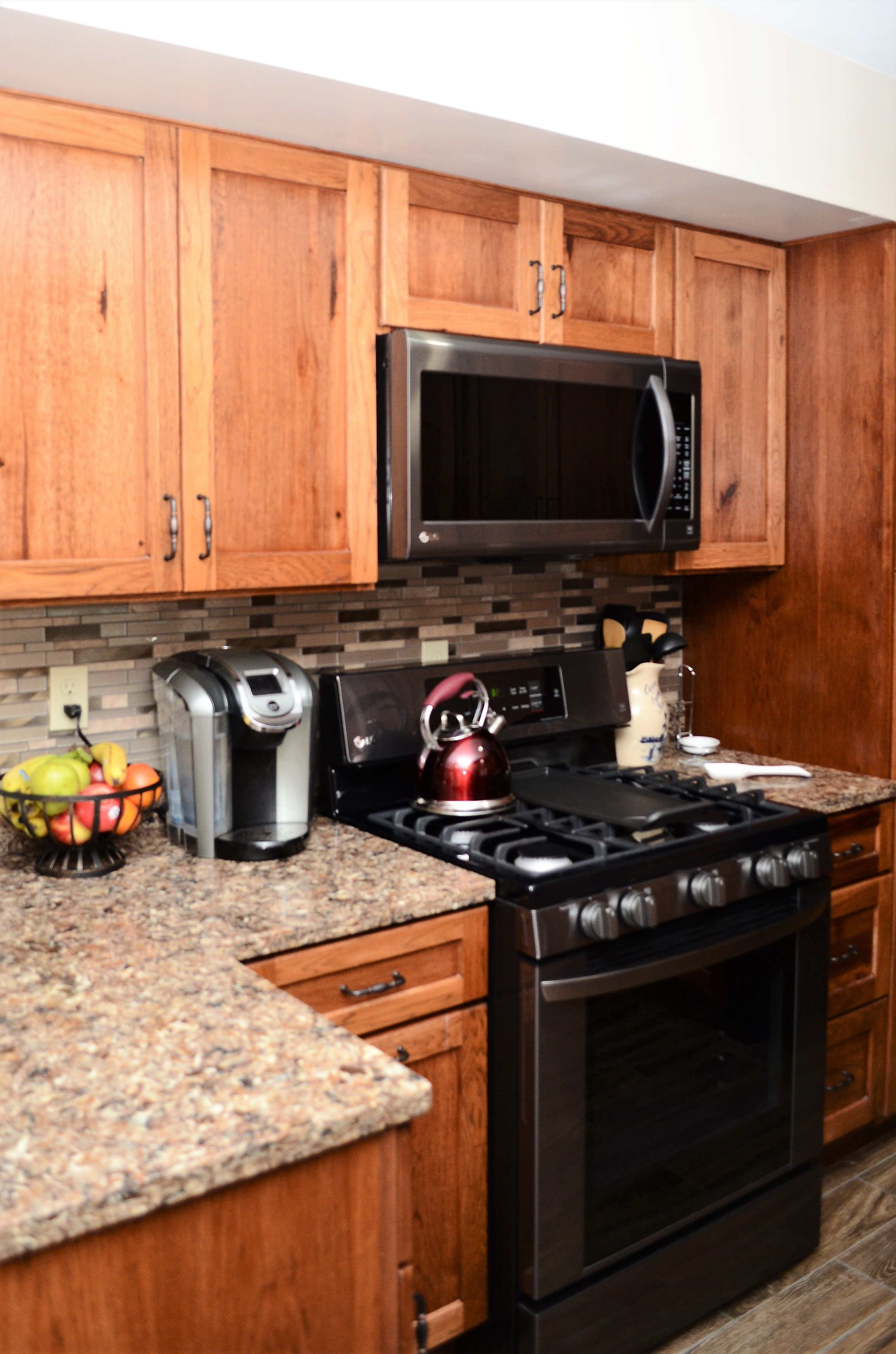 Haas Signature Rustic Hickory Pecan Kitchen Remodel Hickory Cabinets Cabinetry