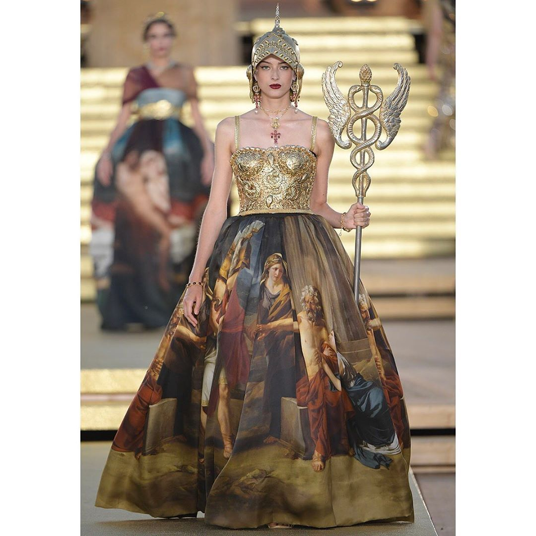Dolce Gabbana On Instagram Dolce Gabbana Alta Moda Look Composed Of A Corset Made In Filigree With 3d Dolce And Gabbana Victorian Dress Formal Dresses Long