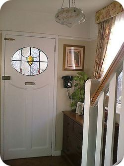Vintage Indie My Vintage Pad Home Tour Sairer From Malvern In The Uk In 2020 Traditional Front Doors 1940s Home Entrance Hall Decor