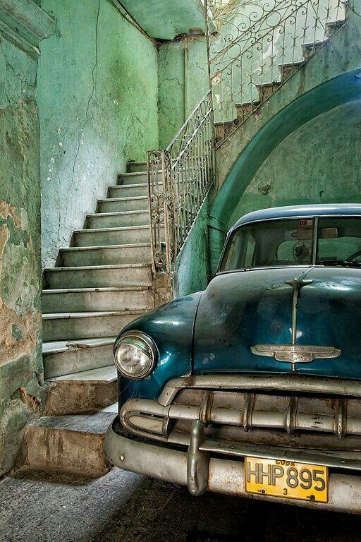 Havana CUBA #eBs1903 #havana #cuba #architecture #vintage #history #classiccars #cubaisland