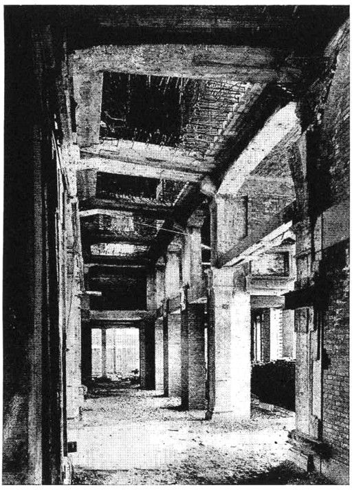 OMA's Fondaco dei Tedeschi Department Store is Revealed in Venice,Il Fondaco dei Tedeschi, reconstruction of the loggia's vaults, 1930s. Image Courtesy of OMA