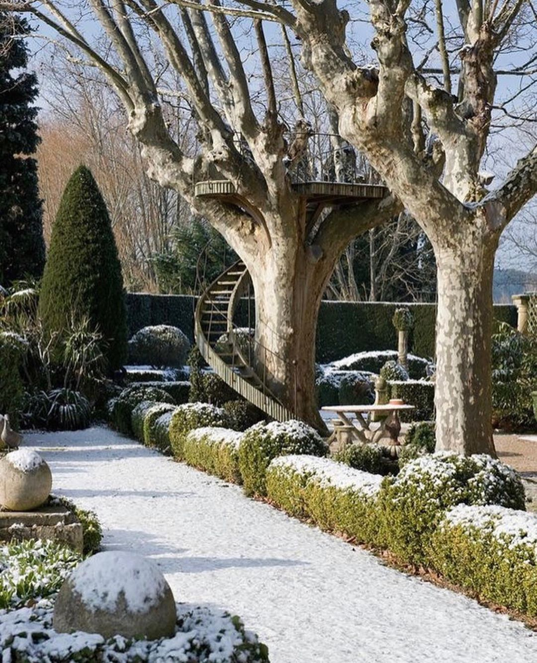 Savoy Gardens On Instagram Les Confines St Remy De Provence France The Most Perfect Tree House At Les In 2020 Winter Garden Dream Garden Beautiful Gardens