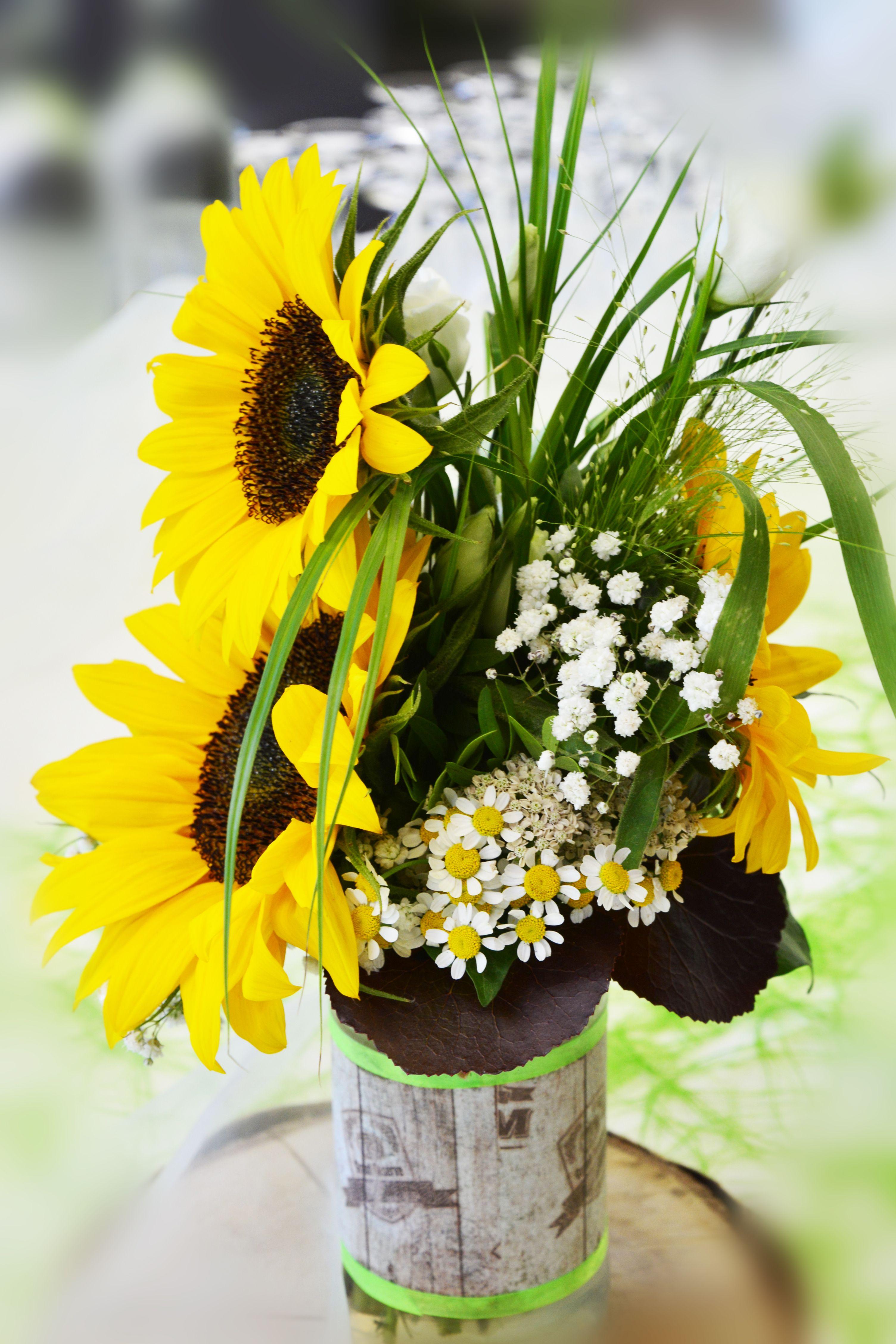 Hochzeit Tischdeko Sonnenblume Gelb Grun Natur Rustikal