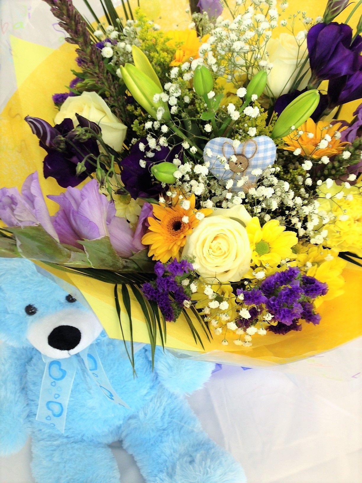 Our Beautiful Bliss Flowers & Gift Set that went out to