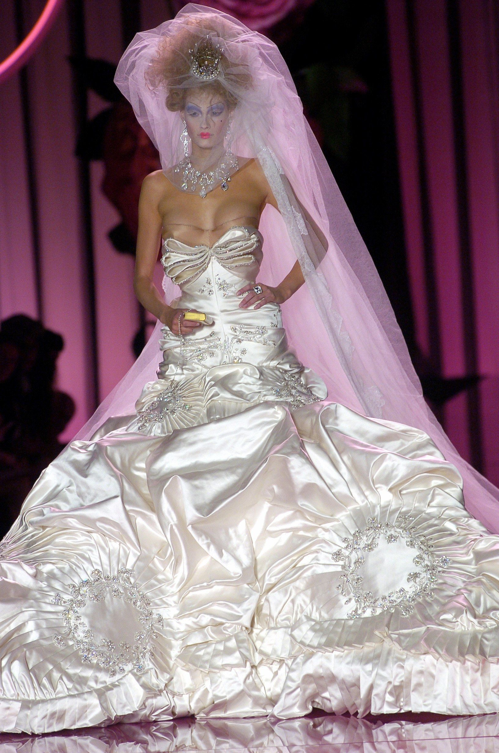 Christian Dior Fall 2004 Couture Fashion Show Wedding Dress Couture Haute Couture Wedding Dress Dior Haute Couture