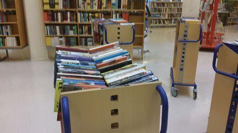 Älä heitä vanhoja kirjoja pois – tarjoa ensin kirjastolle! http://yle.fi/uutiset/ala_heita_vanhoja_kirjoja_pois__tarjoa_ensin_kirjastolle/8679709